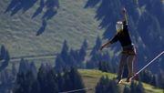 Slackline in 495 Metern Höhe: Nicht nach unten gucken