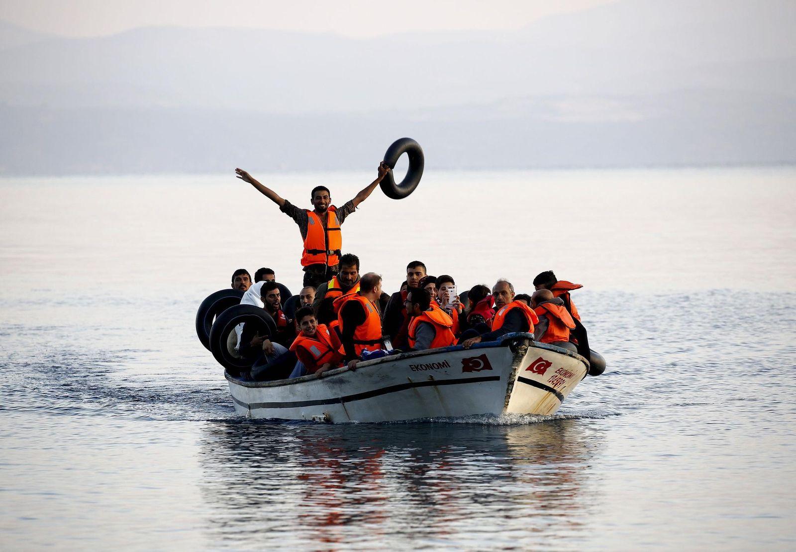 Flüchtlinge-Boot-Reuters-Yannis-Behrakis