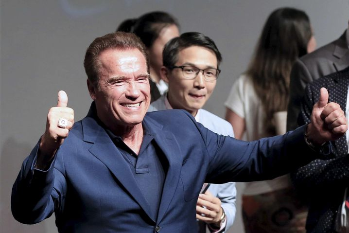 "Actor Arnold Schwarzenegger attends a promotional tour for the film ""Terminator Genisys"" in Shanghai, China August 19, 2015. REUTERS/Aly Song - RTX1ORP2"