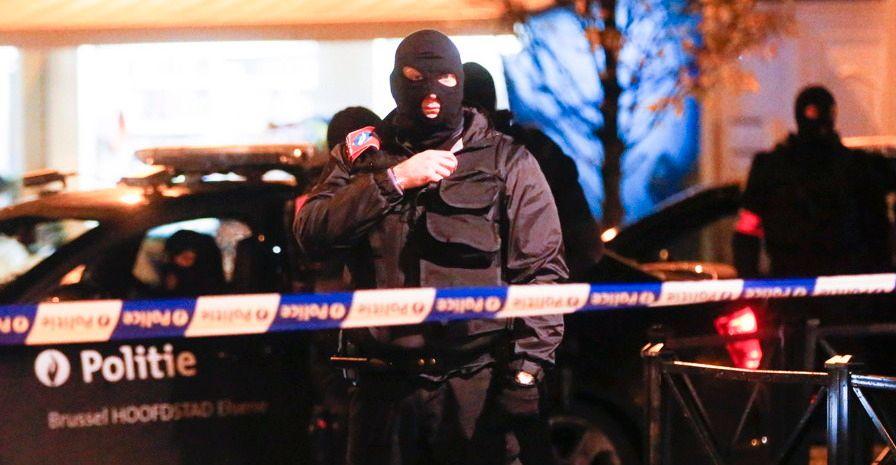 dpa-Molenbeek-Brüssel-zugeschnitten-Polizei