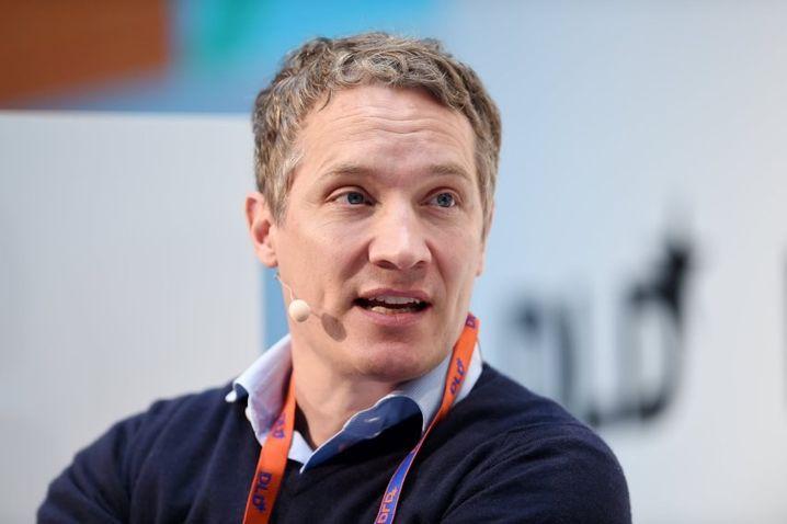 Der Chef des Unternehmens Rocket Internet, Oliver Samwer, spricht am 17.01.2016 in München (Bayern) bei der DLD (Digital-Life-Design) Konferenz. Auf der Innovationskonferenz diskutieren hochkarätige Gäste drei Tage lang über Trends und Entwicklungen rund um die Digitalisierung. Foto: Tobias Hase/dpa +++(c) dpa - Bildfunk+++