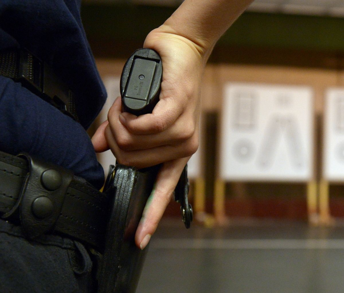 Pistole Polizei Dpa Rainer Jensen