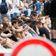 Düsseldorf sperrt Brücke an der Kö: Pokémon-Jäger bekommen mehr Platz