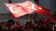 Erdogan schraubt an der Macht – Facebook und Twitter in der Türkei gesperrt