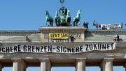 """""""Nazis raus"""": Wie sich die """"Identitäre Bewegung"""" in Berlin blamiert hat"""