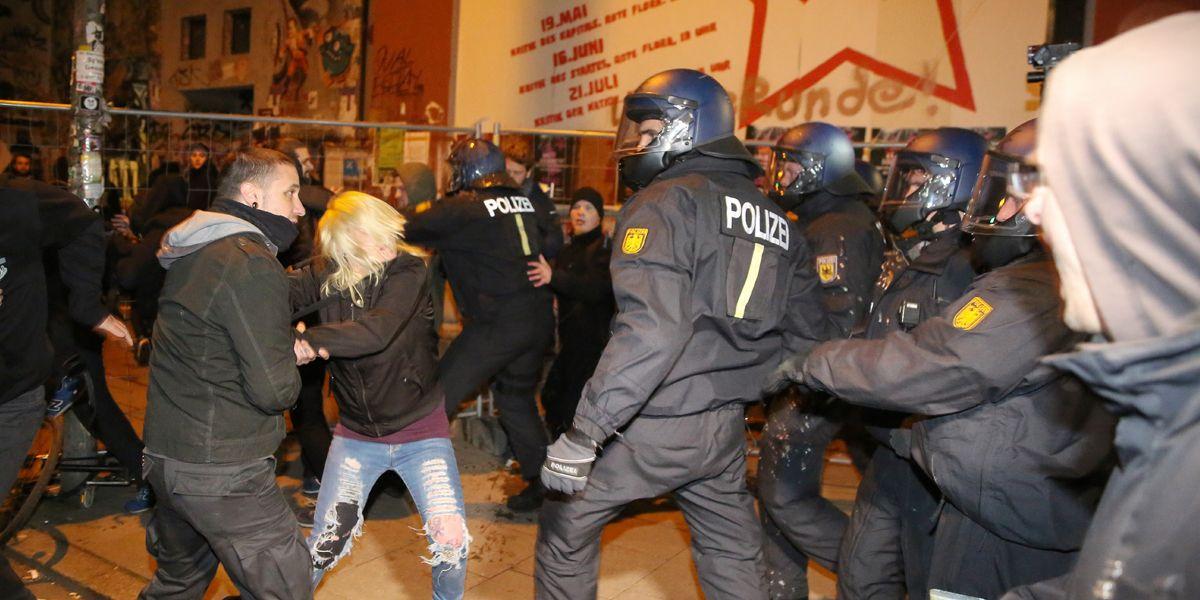 Linke Hamburg Demo Dpa