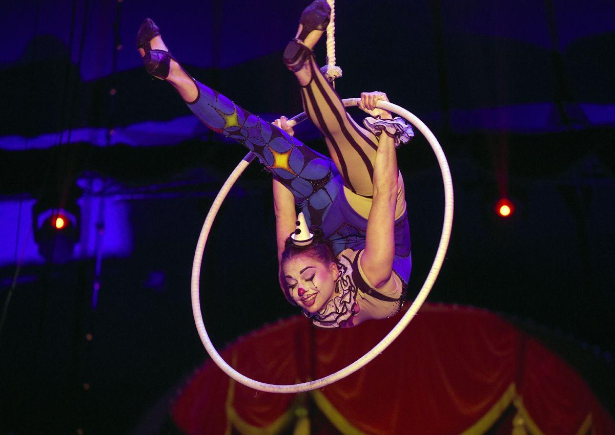 Roncalli Akrobaten Zirkus