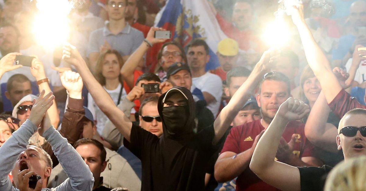 Russland Hooligan Dpa