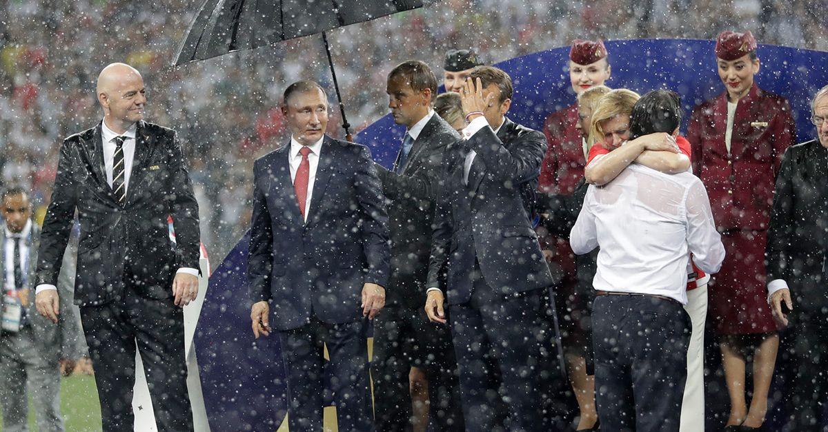 Putin Schirm Aufmacher