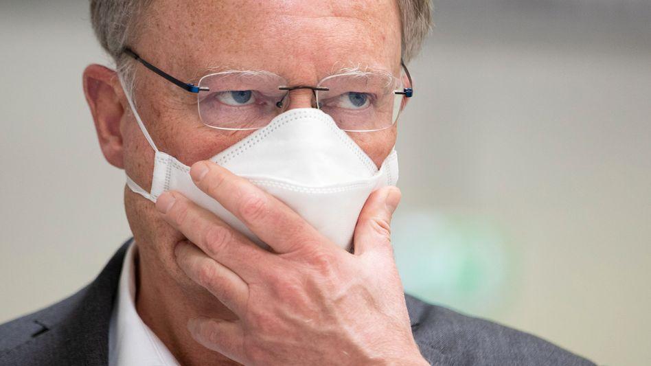 """Stephan Weil: """"Ich bin überzeugt, dass Alltagsschutzmasken bald zu unserem öffentlichen Leben gehören"""""""