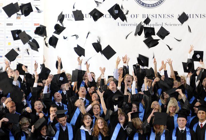 Bachelor-Absolventen (in Hamburg): Endlich fertig! Und dann?