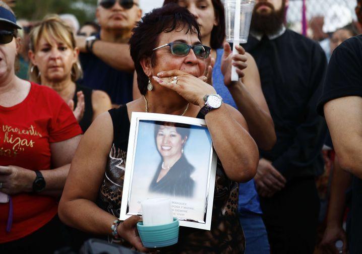 Trauer an der Grenze: Gedenken an ein mexikanisches Opfer von El Paso