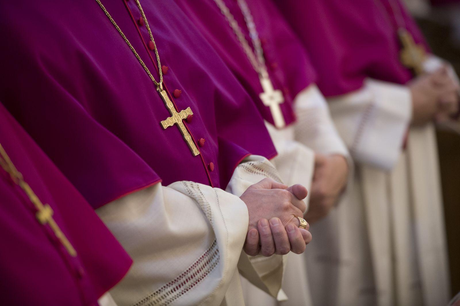 NICHT VERWENDEN Bischofskonferenz XXL