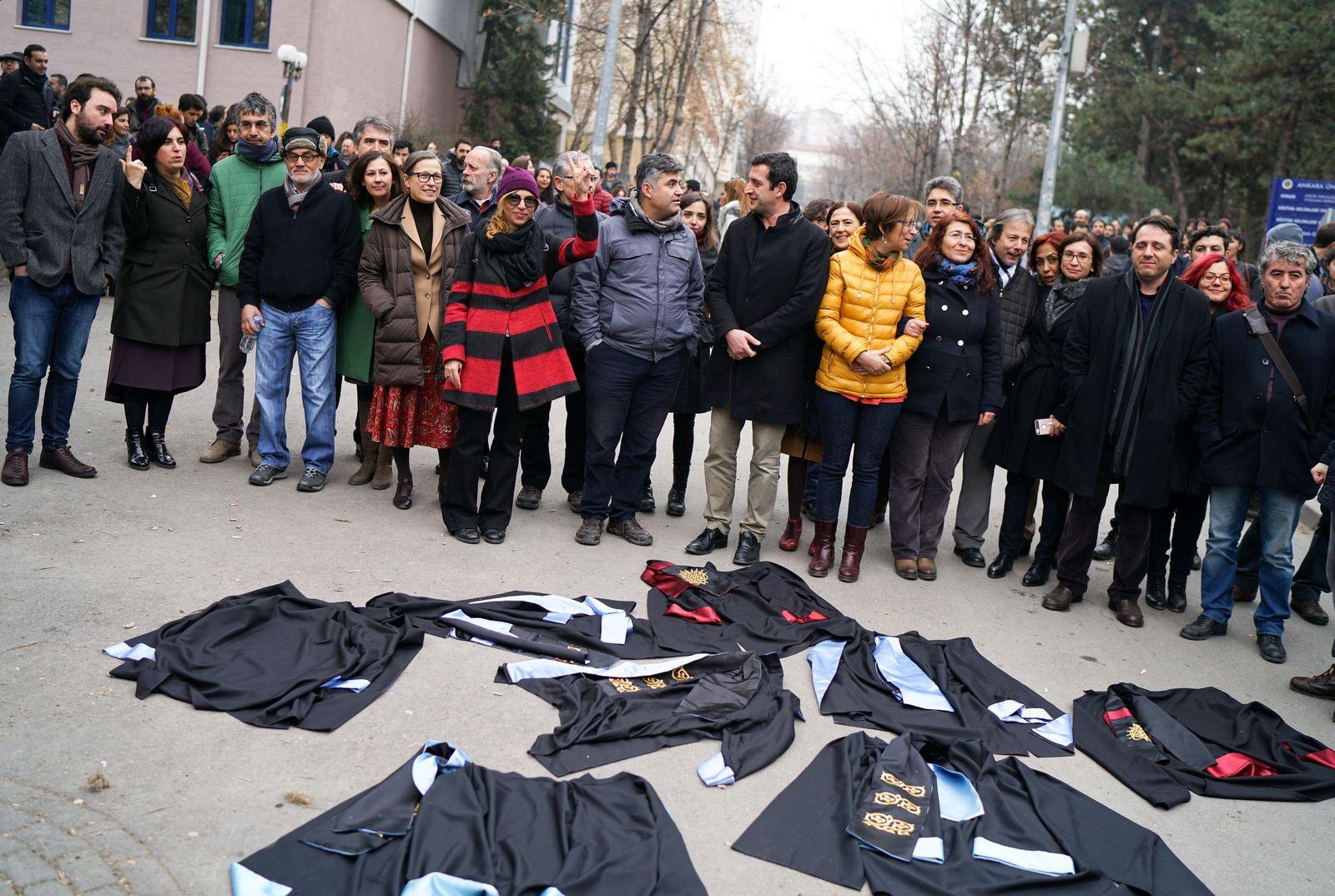 TURKEY-SECURITY/DISMISSALS