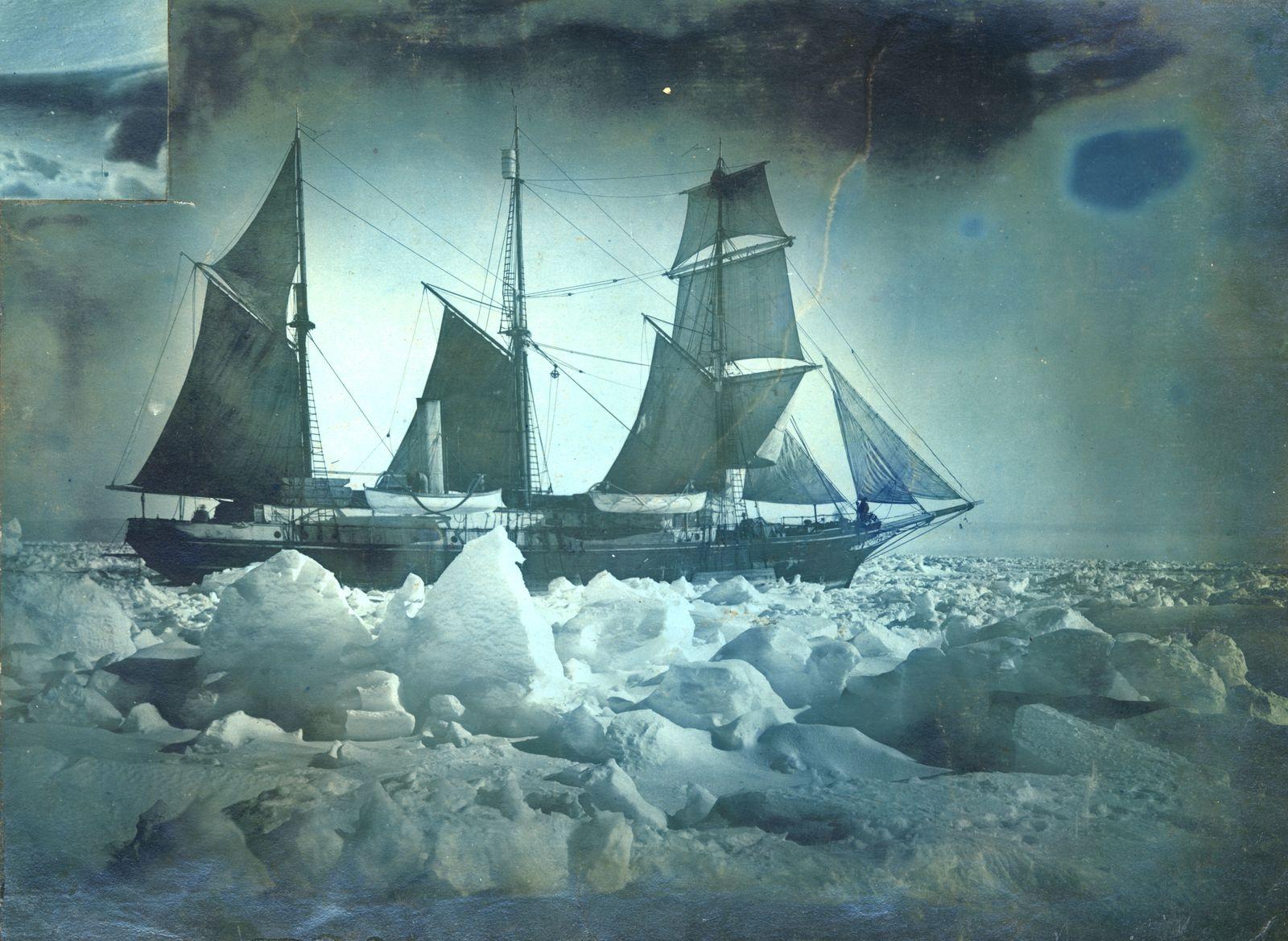 The Endurance Under Full Sail