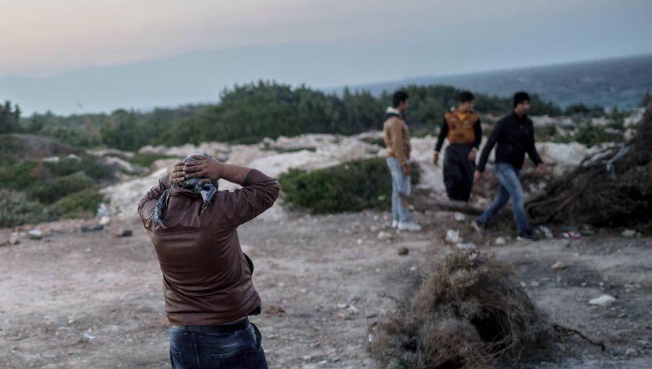 Flüchtlinge am Strand von Izmir in der Türkei (Archivbild): Temporärer Schutz