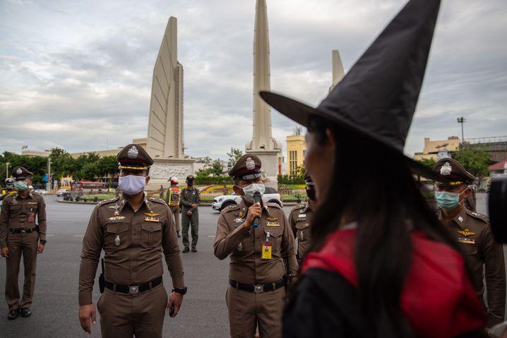 Anti-Regierungsproteste Anfang August in Bangkok: Keine Geduld mehr mit dem König