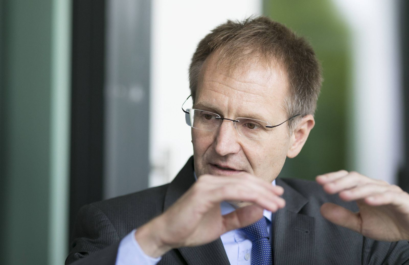 EINMALIGE VERWENDUNG Generalbundesanwalt Dr. Peter Frank