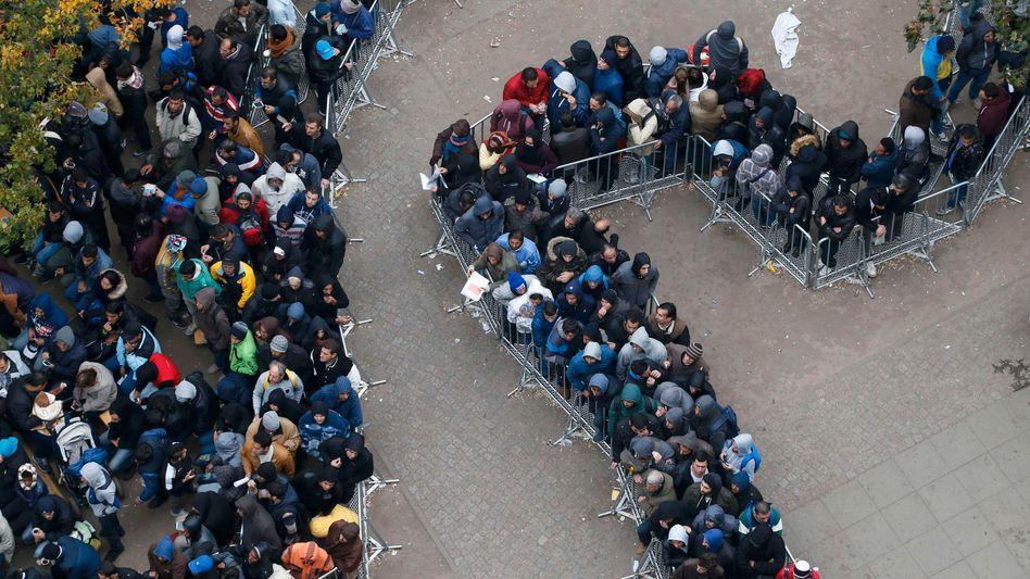Berlin bemühte sich, im Hebst 2015 Flüchtlinge zu registrieren