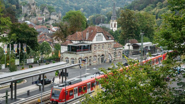 Bahnhöfe des Jahres: Eppstein und Winterberg