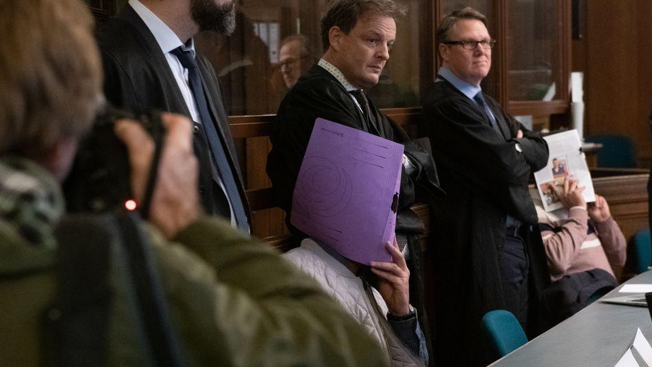 Vor Gericht: Einer der Angeklagten (Archivbild)