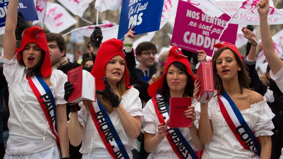 Frauen protestieren in Paris gegen die Homo-Ehe: Zustimmung gilt dennoch als sicher