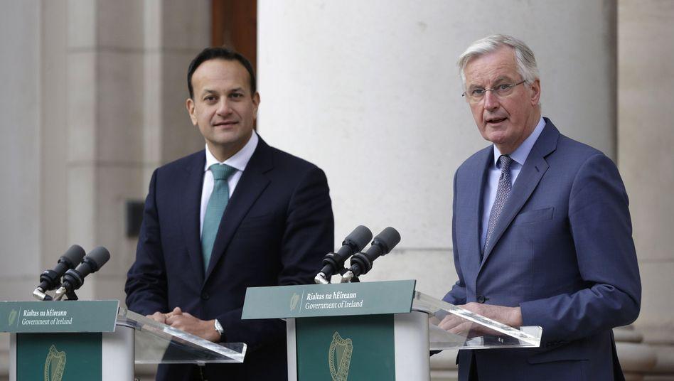 "Irlands Premier Leo Varadkar (l.) empfing Michel Barnier: ""Wer hat das stärkere Team?"""