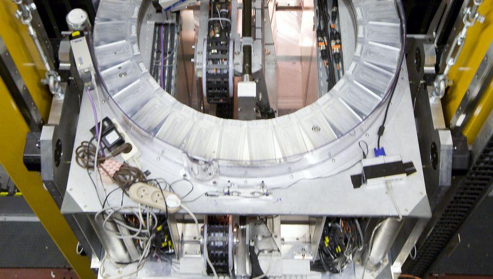 Rätselhafte Neutrinos: Schneller als das Licht?
