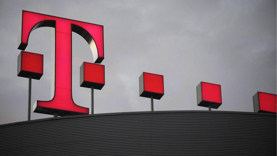 Logo der Telekom: Beim Konzern illegal Provisionen in Millionenhöhe kassiert