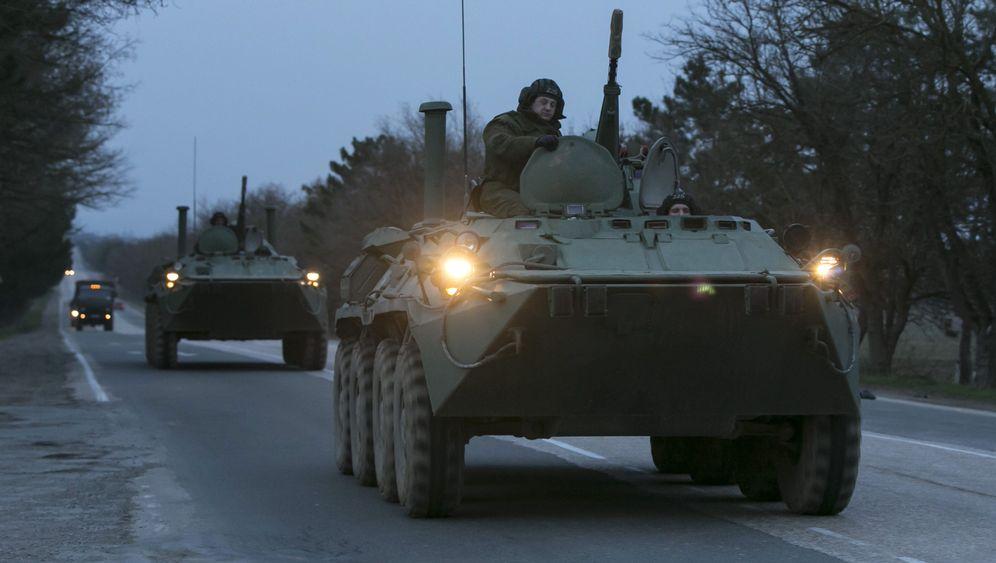 Krim-Krise: Moskau rüstet, Washington droht