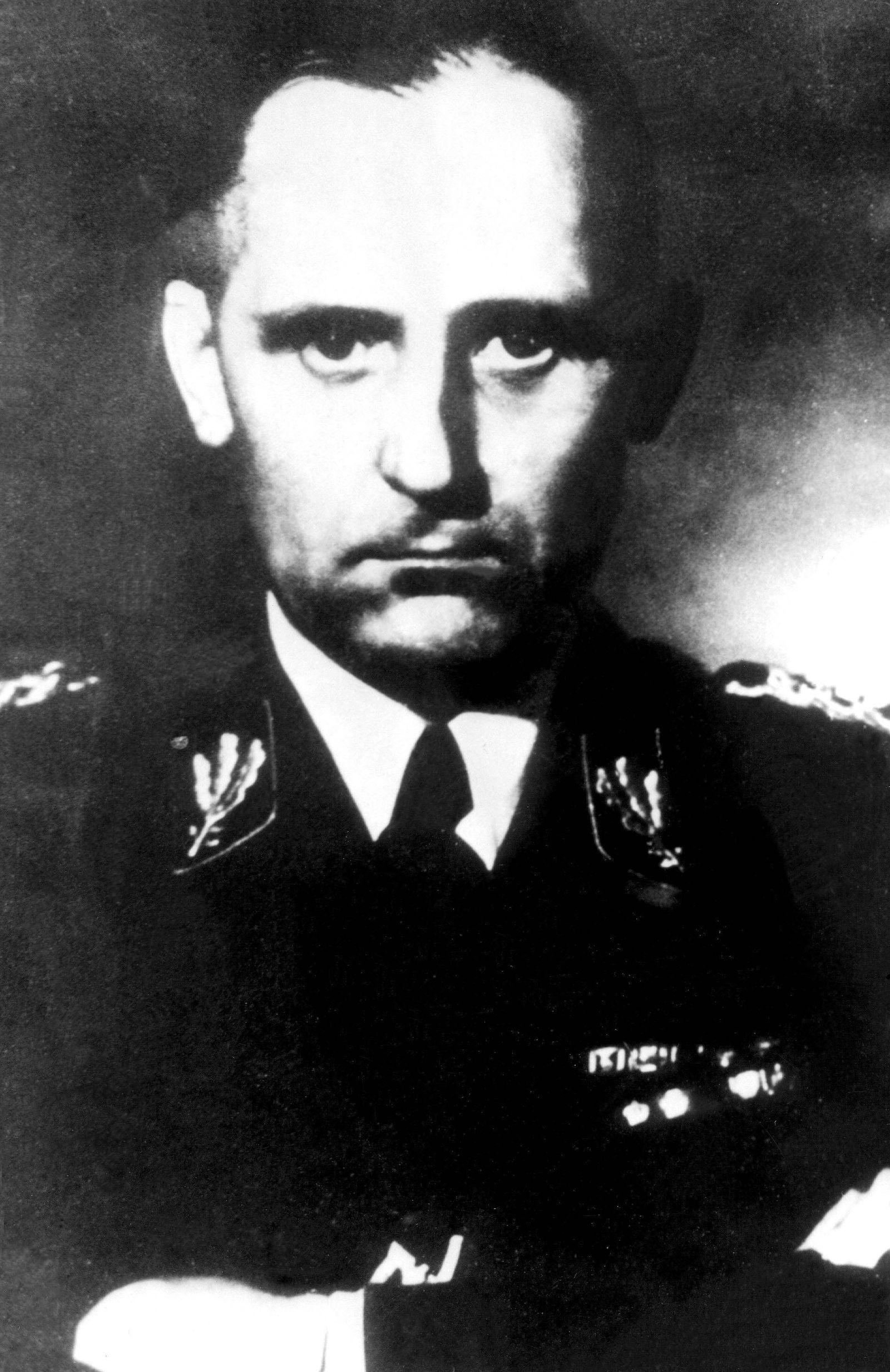 EINMALIGE VERWENDUNG Heinrich Müller