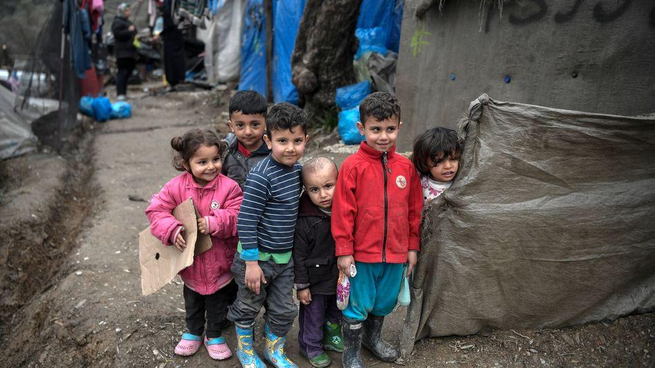 Kinder im griechischen Flüchtlingslager Moria auf Lesbos (Aufnahme von Anfang März)