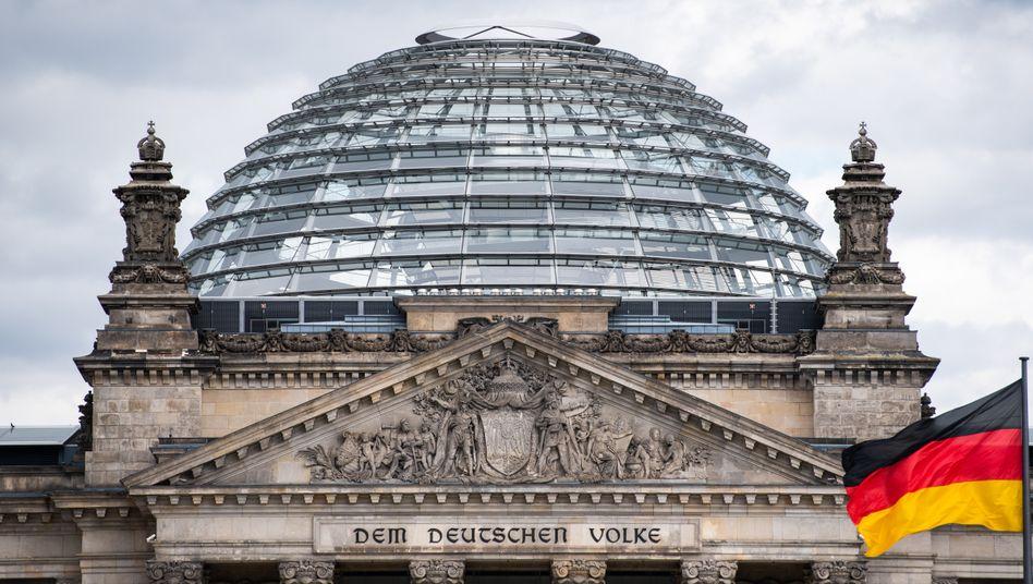 Bundestag in Berlin (Symbolbild): »Verwirrung, Unzufriedenheit und politisches Chaos stiften«