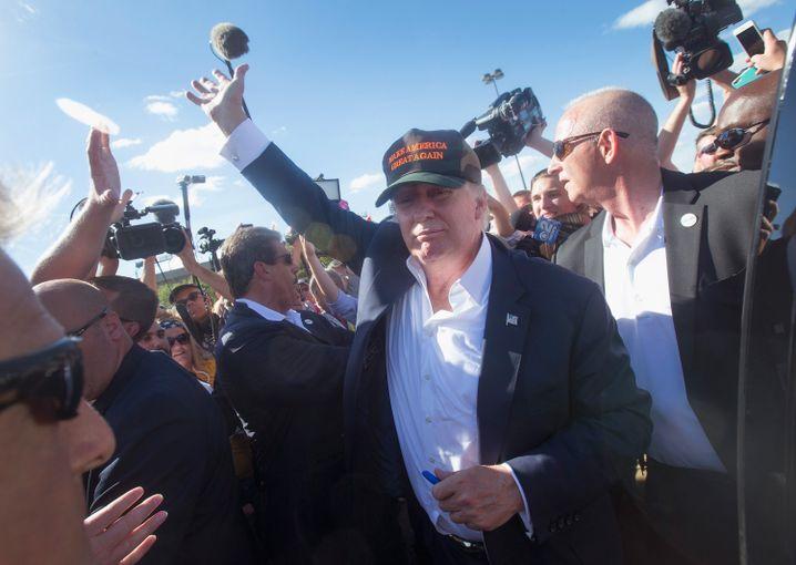 Als republikanischer Präsidentschaftskandidat voll im Stress: Trump in Iowa
