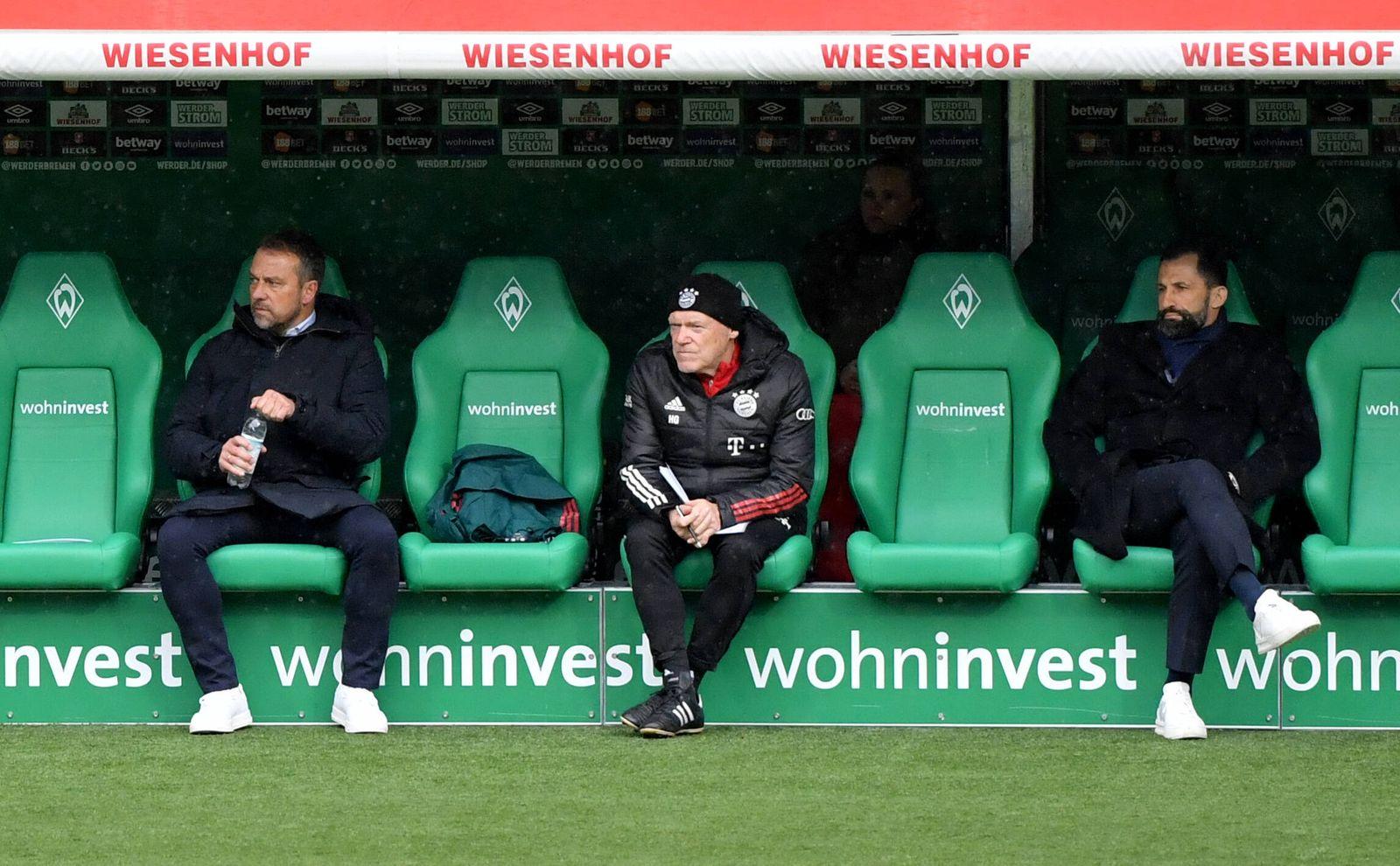 v.li., Trainer Hansi Flick (Bayern Muenchen), Hans Dieter Flick, Co Trainer Hermann Gerland (FC Bayern Muenchen), Sport