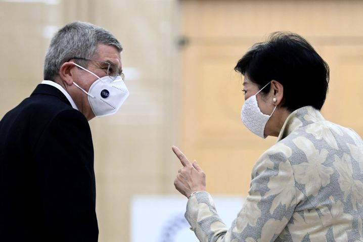 Tokios Gouverneurin Yuriko Koike und IOC-Präsident Thomas Bach: Erlöst sie Japan vom olympischen Albtraum?