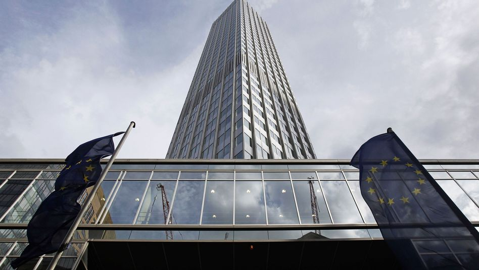 The European Central Bank in Frankfurt is to become Europe's banking watchdog -- but only for the biggest banks, according to a French-German compromise.