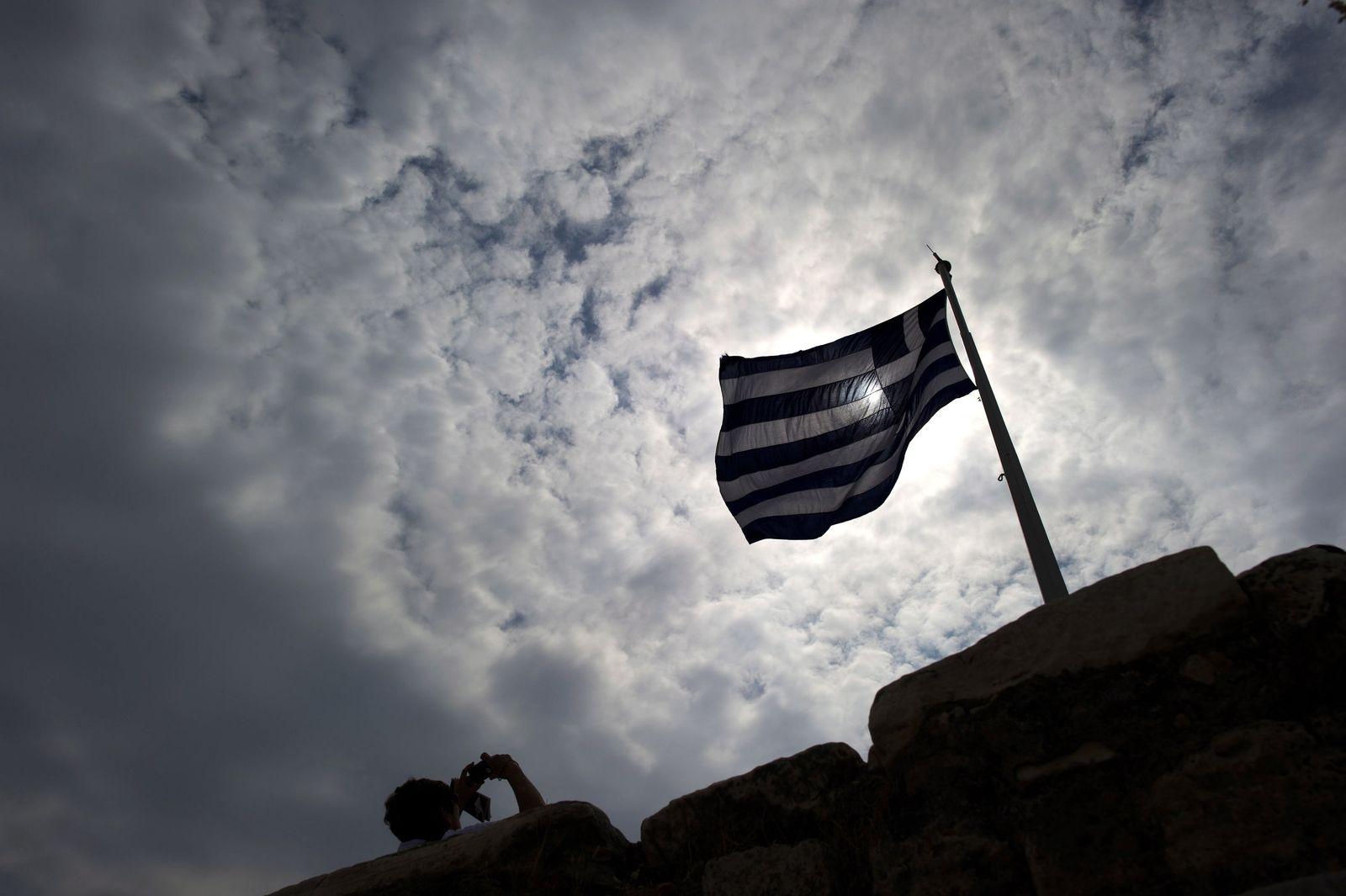 Athen zählt die Stunden - Frist für Schuldenschnitt läuft aus
