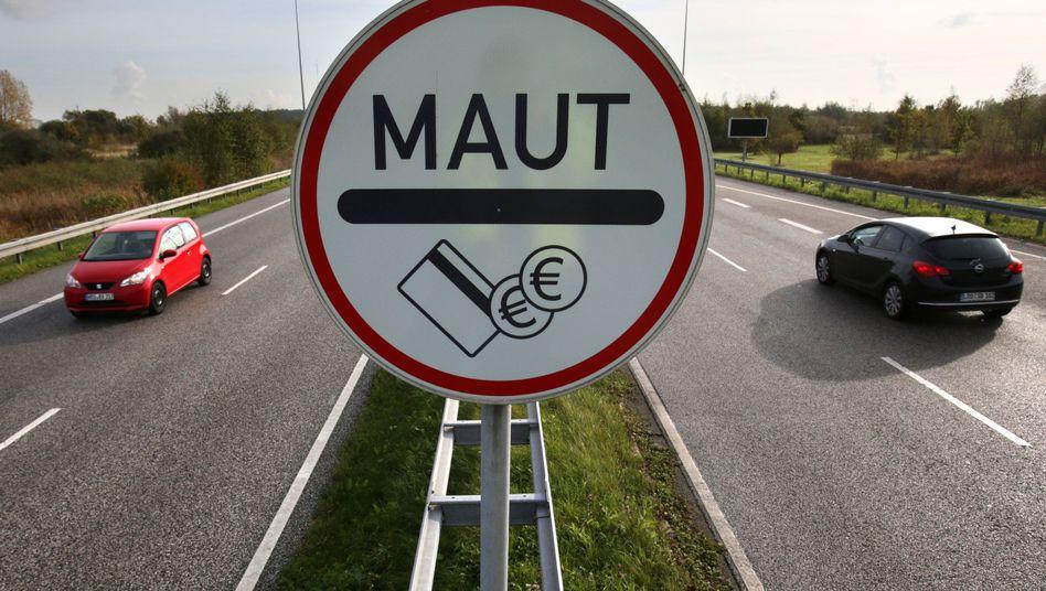 Zufahrtstraße zum Warnowtunnel in Rostock