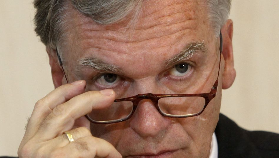 BKA-Chef Jörg Ziercke: Das Wiesbadener Verwaltungsgericht will seine eidesstattliche Erklärung, dass nicht schon Sperrlisten an Provider weitergegeben wurden