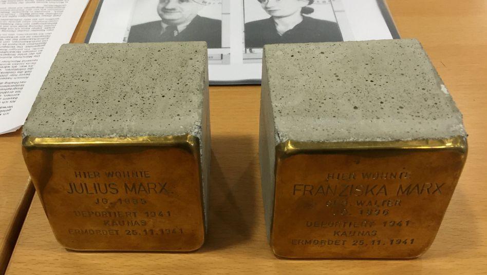 Zwei Stolpersteine im Verwaltungsgericht München