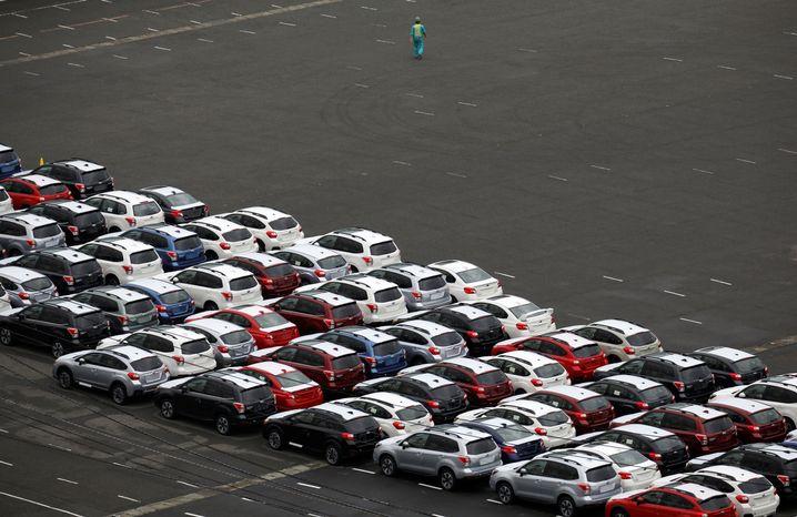 Exportfertige Neuwagen in Japan
