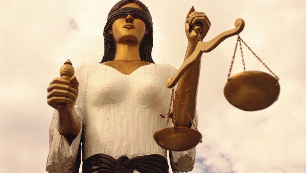 Volldemütigend: Juristen im Würgegriff der Noten