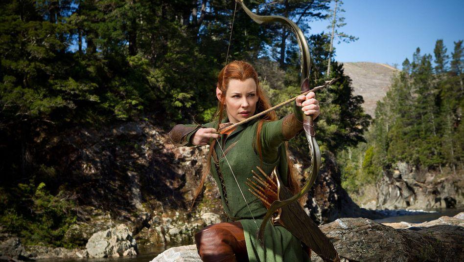 """Elbe spannt den Bogen: Tauriel (Evangeline Lilly) im Spitzenreiter """"Hobbit 2"""""""