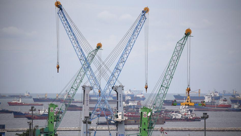 """Hafen von Jakarta: """"Das Versprechen, dass die Globalisierung zum Vorteil aller ist, haben die Industrieländer nicht einlösen können"""""""