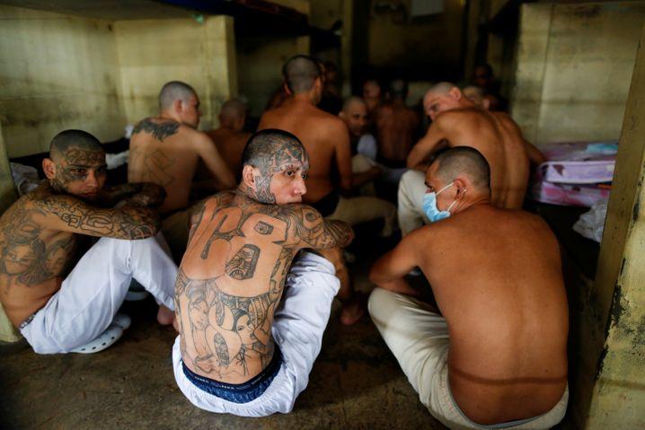 Gangs und Kartelle verlieren in der Coronakrise nicht nur Mitglieder - sondern kämpfen auch mit Umsatzeinbußen