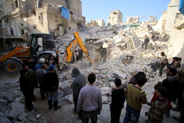 Szene nach einem russischen Luftangriff auf Aleppo Mitte Februar