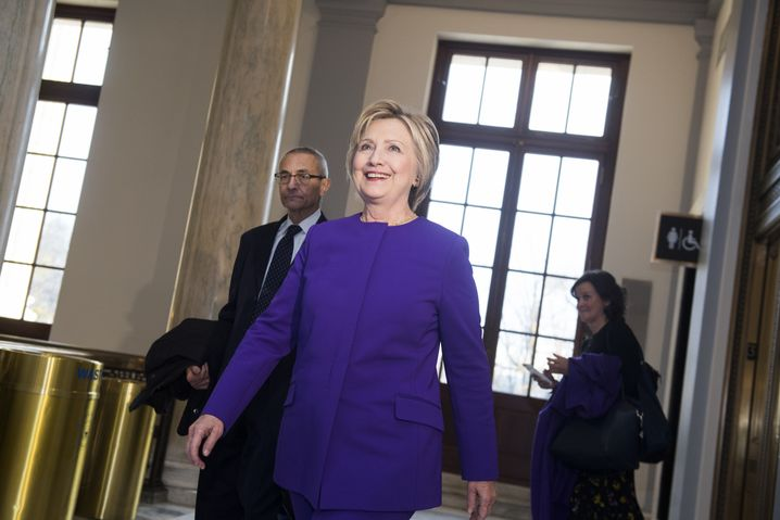 Hillary Clinton (mit John Podesta)