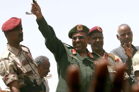 Vorwurf des Völkermordes: Sudans Präsident Omar Hassan al-Baschir (Aufnahme vom Mai 2008)