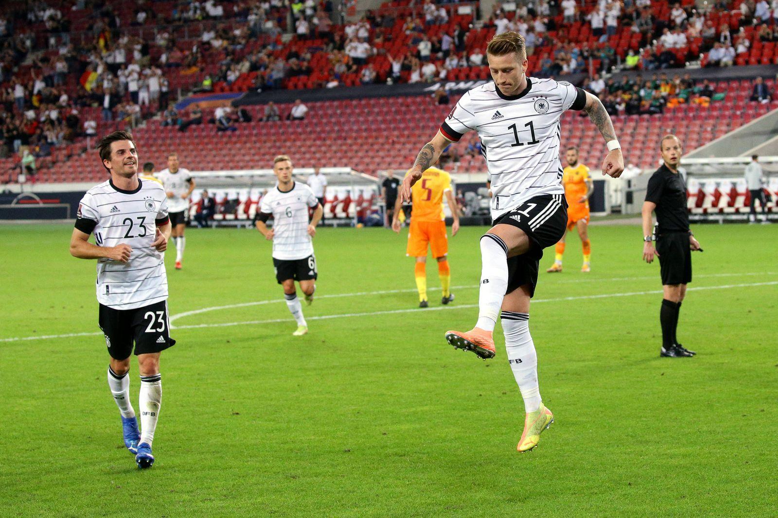 Stuttgart , Fußball WM Qualifikation , Deutschland vs. Armenien , Torschütze Marco Reus (GER, rechts) jubelt über sein